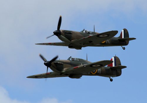 Hurricane_and_Spitfire_01_(4817630963)